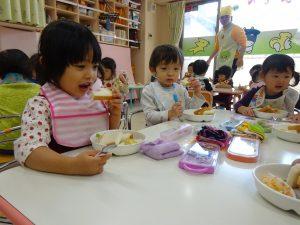 食事中 (2)